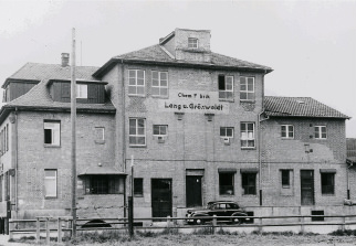 Company building 1950 - Dieter Schumacher joins the company in 1950